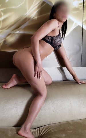 Tahia escort in Salem OH and thai massage