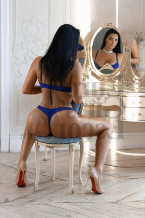 Colombine erotic massage and escort girl